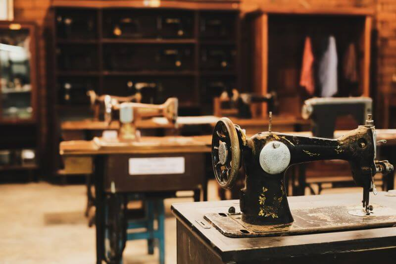 Kto wynalazł maszynę do szycia? Trochę historii