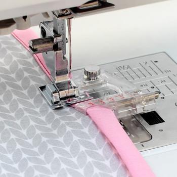 Stopka do wszywania zaprasowanej lamówki (do maszyn z szerokością ściegu 9 mm)