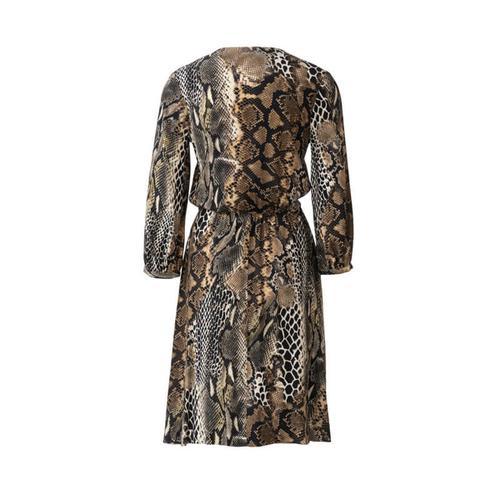Wykrój krawiecki BURDA na sukienkę zzapięciem na guziki, o kroju koszulowym, zdekoltem wszpic