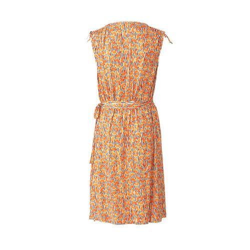 Wykrój krawiecki BURDA na sukienkę kopertową z marszczeniami na ramionach