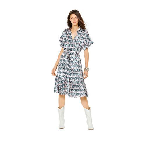 Wykrój krawiecki BURDA na sukienkę zzapięciem na guziki, stójką ifalbankami