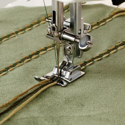 Stopka do naszywania ozdobnych sznurków (chwytacz rotacyjny)