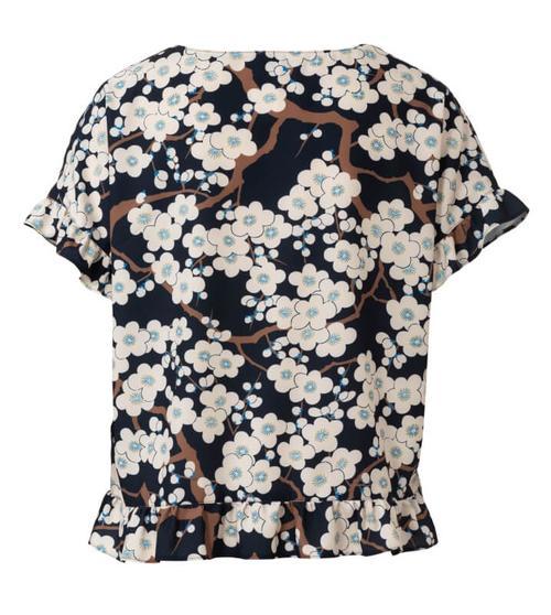 Wykrój krawiecki BURDA na bluzkę zokrągłym dekoltem i falbankami, krój pudełkowy